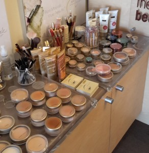 Jane Iredale makeup showcased on Friday night. The only mineral makeup Donna Kearney uses for bridal makeup.