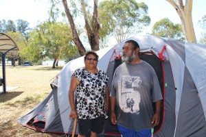 Protestors Vicky and Graham Bandy say it's time to stand up for remote Aboriginal communities