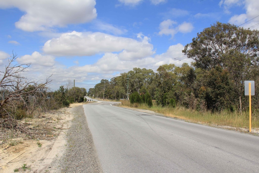 The thick vegetation opposing the Alison Baird reserve (featured right) will be cut down, impacting Black Cockatoo populations, raising temperatures in the reserve and exacerbating wind erosion.