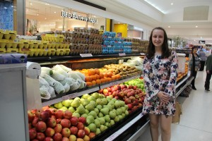 Lauren makes sure to eat a variety of fruits and vegetables throughout the day to sustain her vegetarian lifestyle.