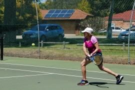 Blindness no barrier for tennis player, 79